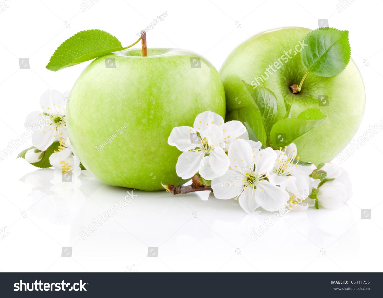 两个青苹果,叶子和花朵孤立在白色背景-食品及饮料