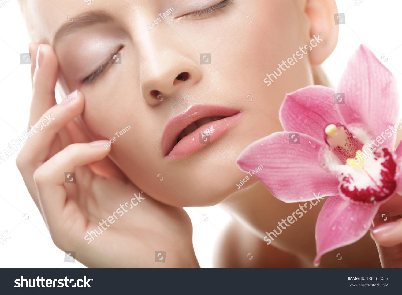 年轻漂亮的女人与粉红色的花-人物,美容/时装服饰-()