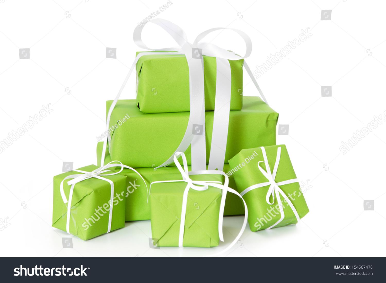 绿色的礼品盒孤立在白色的圣诞节与白丝带