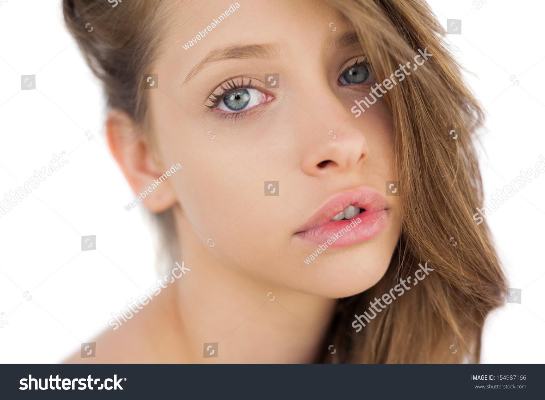 可爱的头发模型构成注视镜头在白色背景上-人物