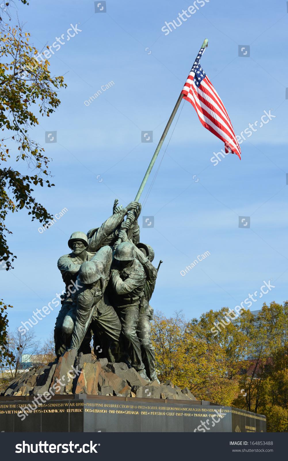 华盛顿,dc - 11月12日:硫磺岛纪念碑在华盛顿,dc在年.