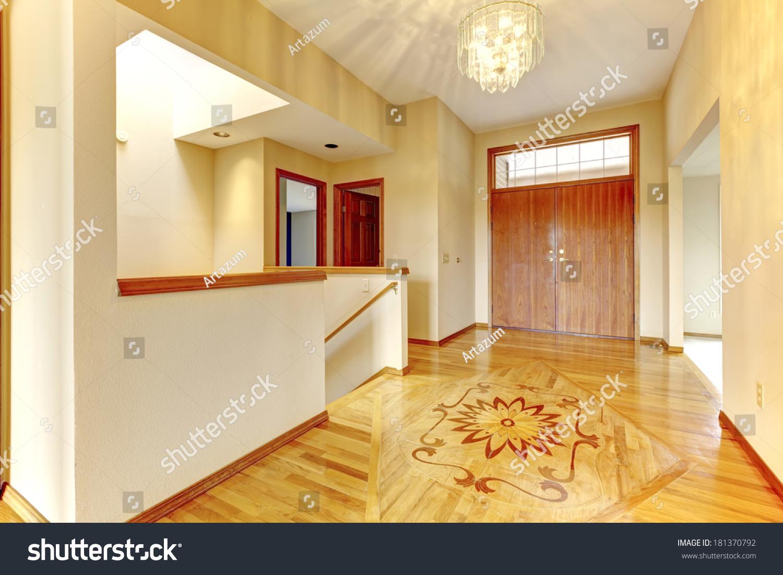 入口门厅与硬木地板和设计图片