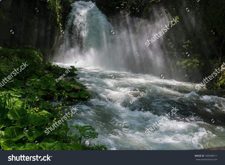 壁纸 风景 旅游 瀑布 山水 桌面 1500_1102