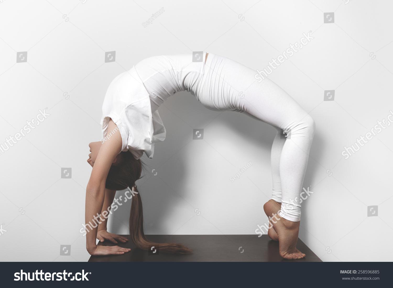 瑜伽微信头像简约