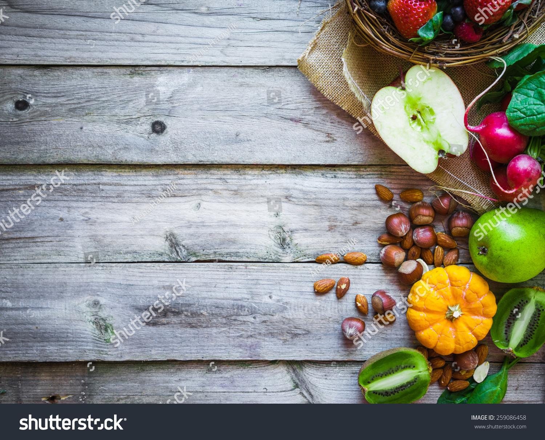 水果和蔬菜在乡村背景