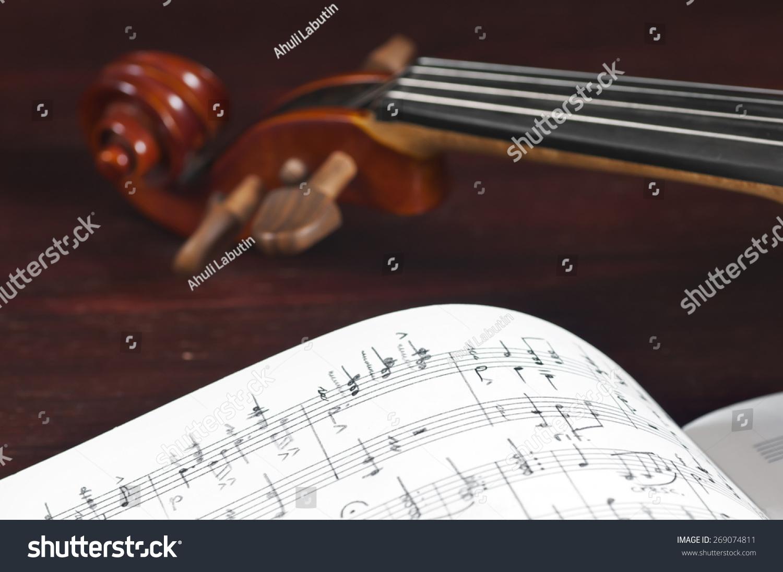 小提琴创意书籍封面封底设计