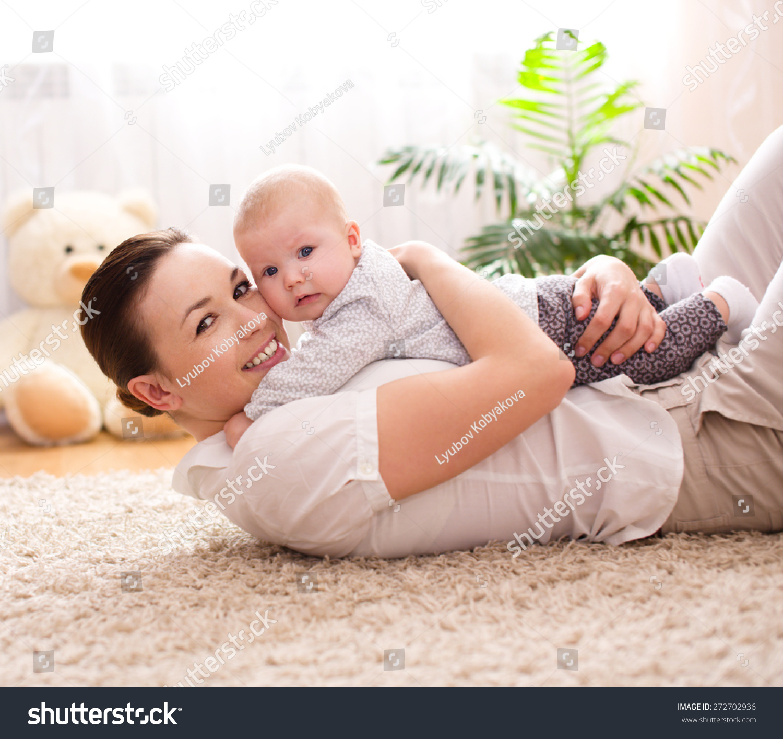 可爱的母亲和女儿