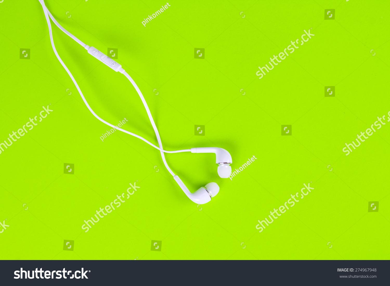 白色的耳机,使用数字音乐或智能手机-科技-海洛创意()