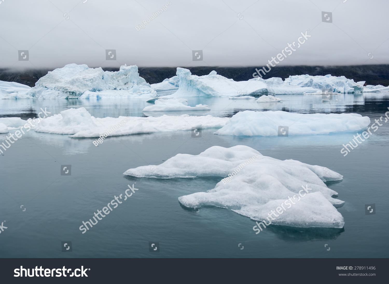 在格陵兰岛narsusuaq峡湾的蓝色冰山-自然,公园/户外