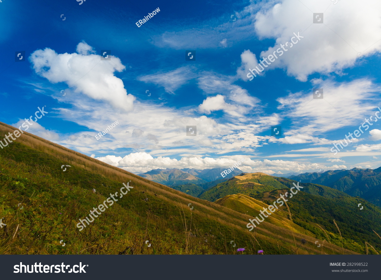 美丽神奇的自然景观天秋天风景山背景新鲜空气