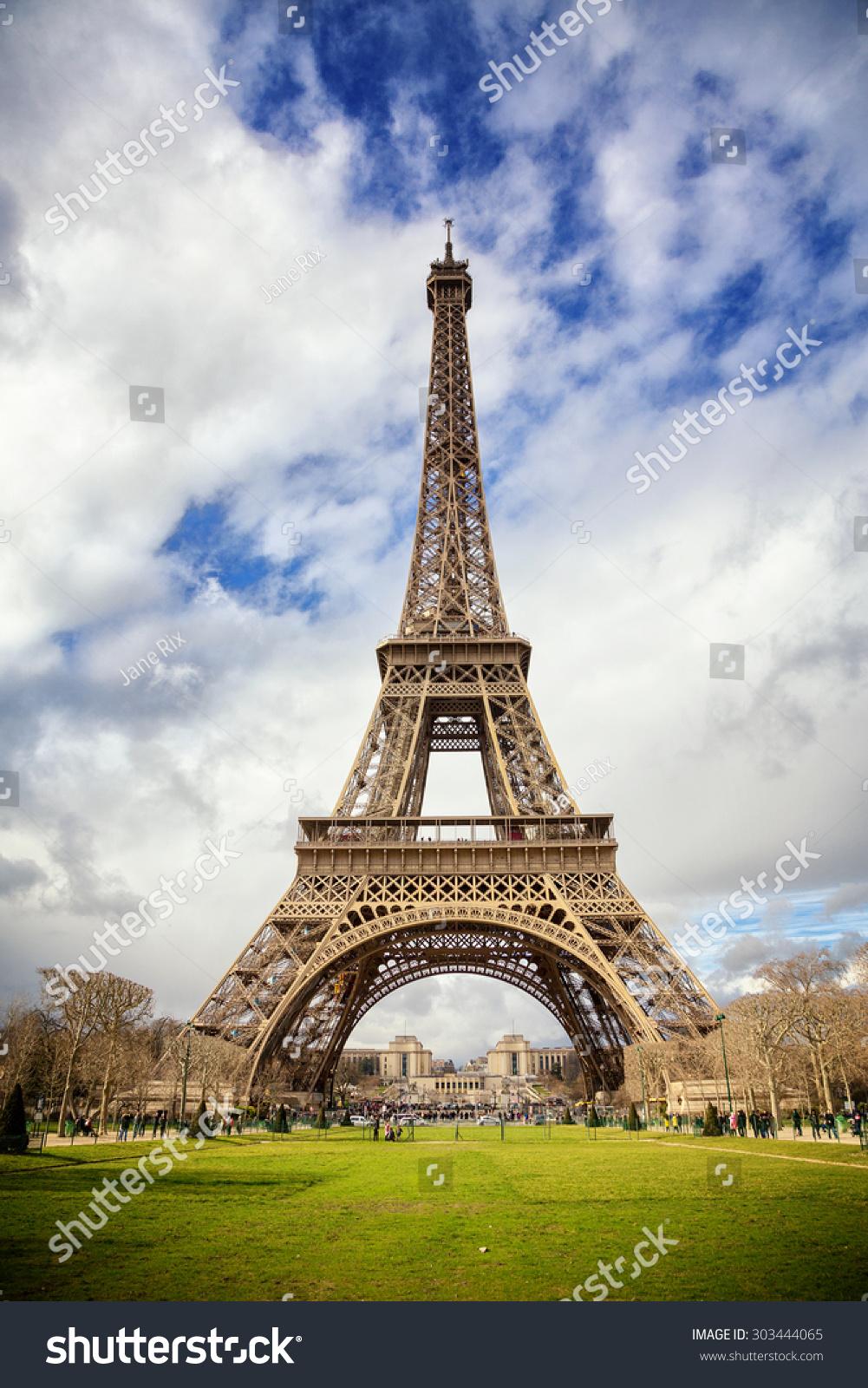埃菲尔铁塔,巴黎,在春天.-建筑物/地标,公园/户外-()