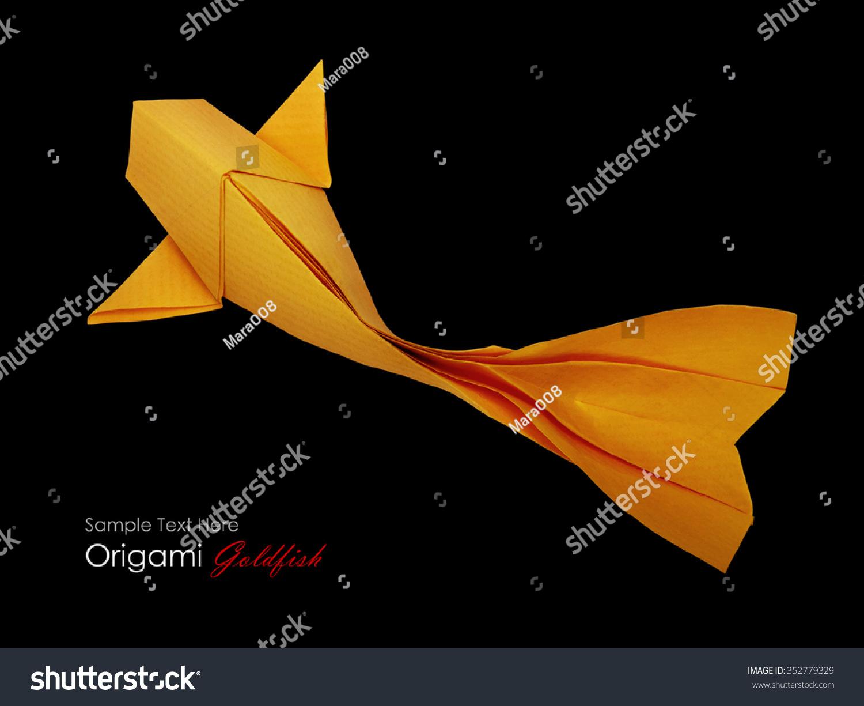 折纸纸金鱼在绿色的黑色背景-动物/野生生物,艺术-()